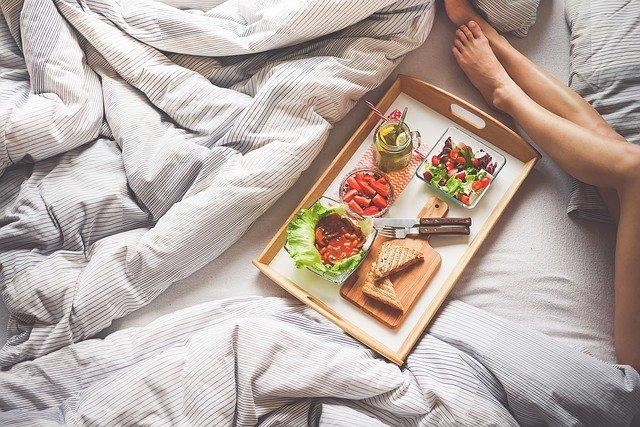 Kvalitní postel s vámi zůstane celý život, partnery v ní můžete střídat