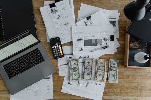 Umíte si vypočítat čistou mzdu? Zjistěte si předem, kolik vám zaměstnavatel skutečně zaplatí!